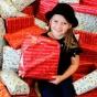 Восьмилетняя девочка целый год копила карманные деньги на рождественские подарки для больных детей (ФОТО)
