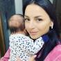 Гвоздьова у халаті вшкварила запальний танок із немовлям на руках. ВІДЕО