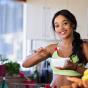 Диетолог перечислил главные правила питания летом