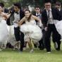 Свадебный креатив в Бангкоке: гонка невест (ФОТО)