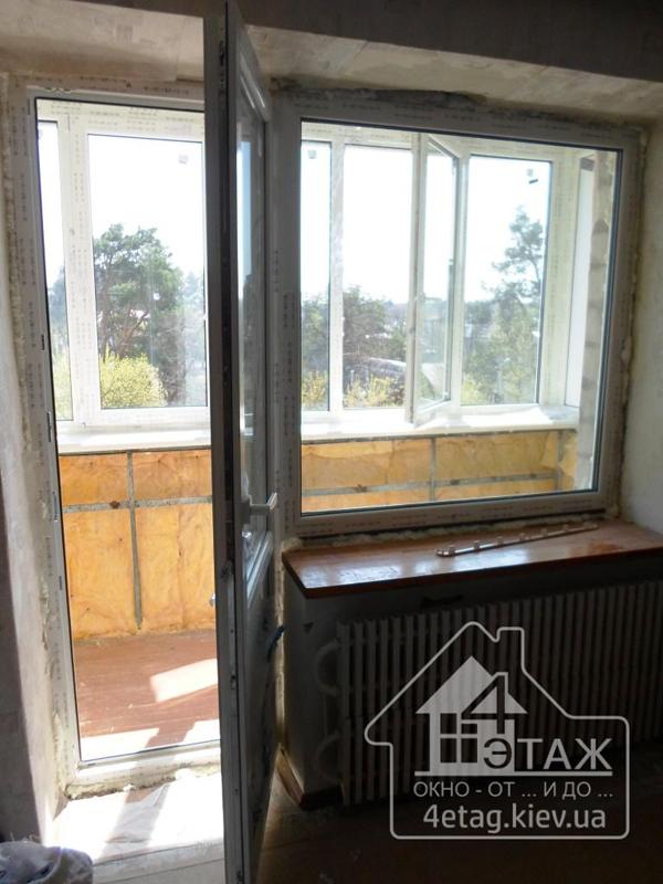 """Выход на балкон в профиле Rehau, установка фирмы """"4 этаж Окно От и До"""""""