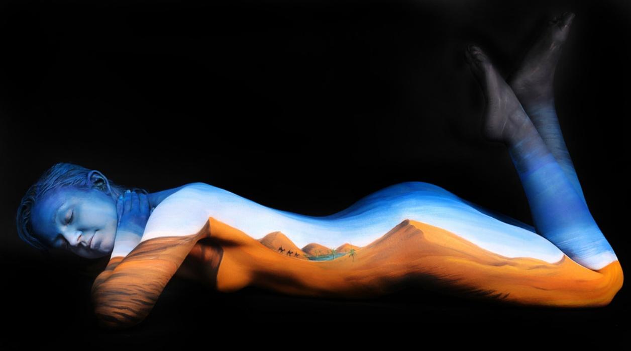 Фото бодиар радуга на теле девушки