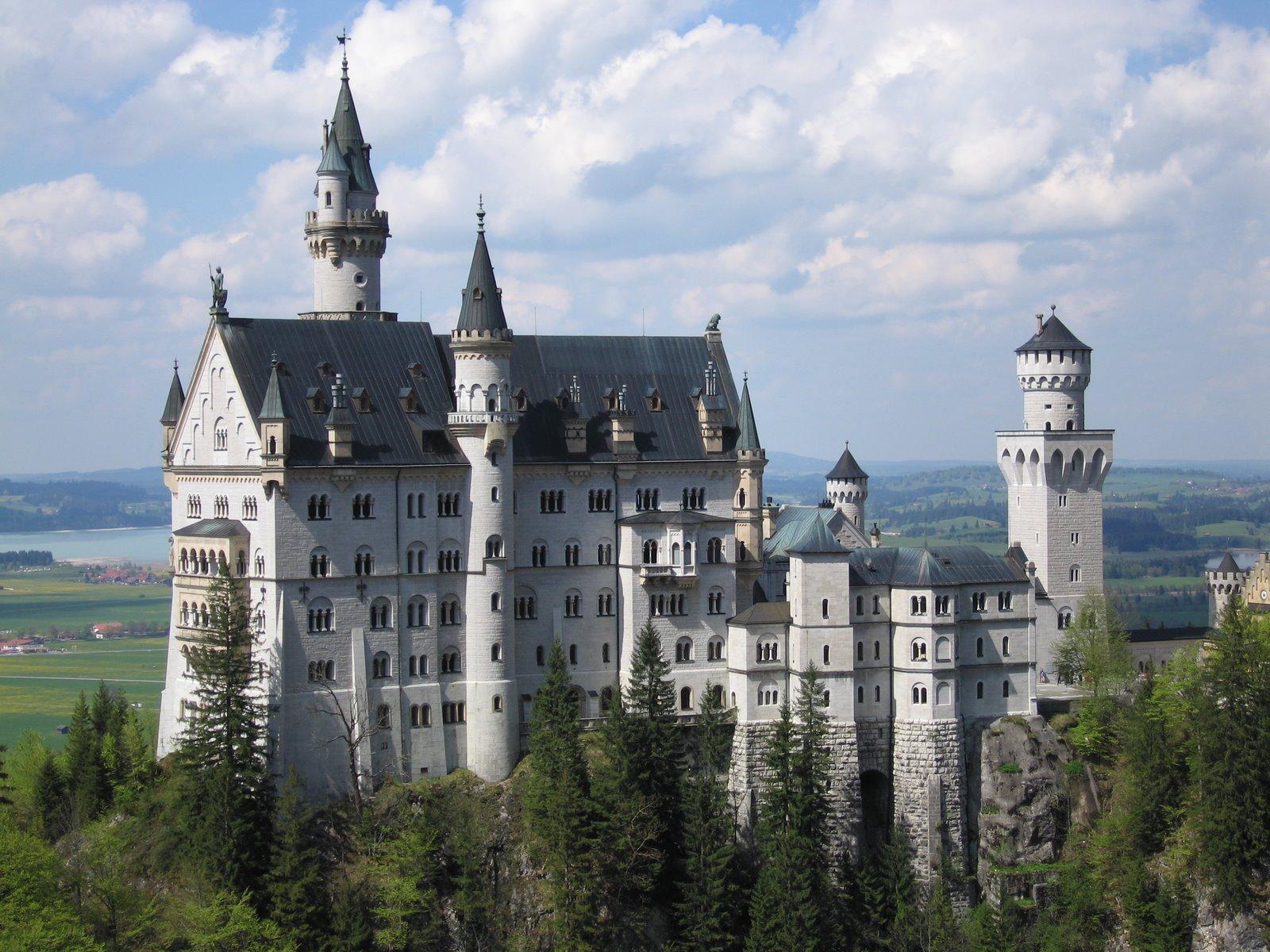 вырос самый старый замок в мире фото пусть