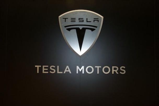 Tesla разработала аккумуляторы для домов и предприятий